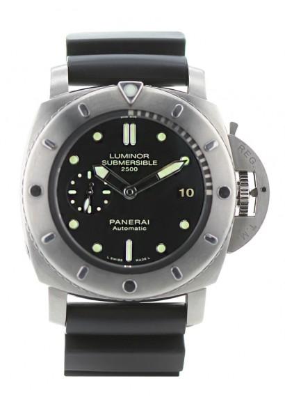 montre-panerai-luminor-submersible-1950-2500m-1811